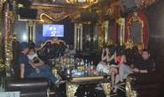 Bất chấp Covid-19, dân chơi đất cảng vẫn đến quán karaoke, gọi chân dài phục vụ