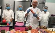 Doanh nhân Kao Siêu Lực dùng quả óc chó, nho Mỹ, bơ Pháp... làm bánh mì tặng đội ngũ y tế