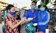 Người Quảng Nam đổi rác thải lấy đồ chống dịch Covid-19