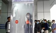 Sân bay Nội Bài thần tốc sản xuất buồng khử khuẩn toàn thân