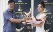 Hoàng Thùy Linh thắng poker tại giải Cống hiến