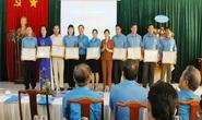 Bình Phước: Khen thưởng lao động nữ Giỏi việc nước, đảm việc nhà