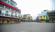 CLIP: Hà Nội đường phố vắng tanh, quán xá cửa đóng then cài
