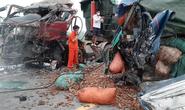 Hai xe tải đấu đầu kinh hoàng, tài xế và người phụ nữ tử vong trong cabin