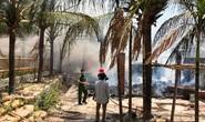 Cháy lớn thiêu rụi 2 nhà hàng, quán bar ở Phan Thiết