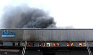 CLIP: Cháy lớn ở khu vực đường Bạch Đằng, quận Tân Bình, TP HCM
