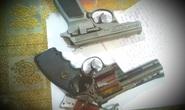 Phát hiện nhiều súng, hung khí nguy hiểm tại ổ đánh bạc ở Phú Quốc