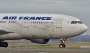 Covid-19: Máy bay chở công dân Pháp về nước bị trúng đạn