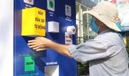 ATM thực phẩm miễn phí: Gần 600 phần quà đến tay người nghèo