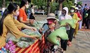 Thầy trò làm ATM gạo giúp đỡ người nghèo