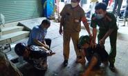 CLIP: Tổ phòng chống dịch Covid-19 bắt nóng 2 tên trộm xe máy