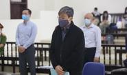 Không đồng ý hoãn tòa, cho nguyên bộ trưởng Nguyễn Bắc Son ngồi trình bày