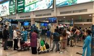 Sân bay Tân Sơn Nhất nhộn nhịp trở lại, dừng lấy mẫu xét nghiệm Covid-19
