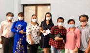 Ban Ái hữu nghệ sĩ TP HCM trao tiền, gạo giúp công nhân sân khấu 14 đơn vị nghệ thuật