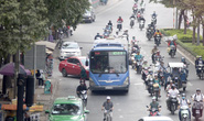 Một tuyến xe buýt hoạt động trở lại ở TP HCM