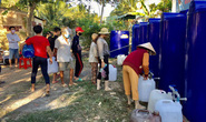 Bến Tre: Người dân nhận nguồn nước ngọt miễn phí của Bộ Tài nguyên và Môi trường
