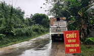 Chặn xe tải, phát hiện trên thùng có 15 người trốn chốt kiểm soát chống dịch Covid-19