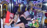 Bất chấp lệnh cấm, 24 nam nữ bay lắc trong quán karaoke Rubi