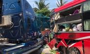 Xe khách và xe container tông trực diện, người phụ nữ đứng ở trạm xe buýt tử vong tại chỗ