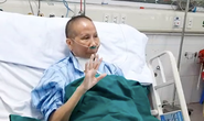 CLIP: Bác gái bệnh nhân 17 từng 3 lần ngừng tim nay đã vẫy tay chào mọi người
