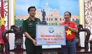 Tặng ngư dân huyện Cần Giờ 2.000 lá cờ Tổ quốc