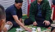 Chủ tịch xã đánh bạc bị cách chức
