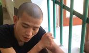 3 cảnh sát bị thương khi khống chế nam thanh niên xăm trổ cầm dao đòi giết bố mẹ