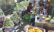 Bà nội trợ méo mặt vì nhiều loại rau củ quả tăng giá gần gấp đôi