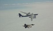 """Mỹ điều động tiêm kích F-22 chặn """"quái vật ném bom"""" của Nga gần Alaska"""