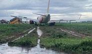 Máy bay trượt khỏi đường băng Tân Sơn Nhất: Tạm thu bằng lái 2 phi công
