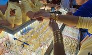 Giá vàng trong nước liên tục lập đỉnh, vẫn rẻ hơn thế giới