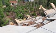 Công trình tiền tỉ tại trường học đổ sập do… mưa gió!