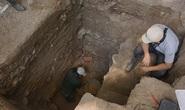 Kho báu vô song từ 44 hài cốt bí ẩn trong hầm đá