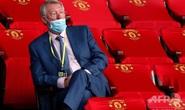 Mang khẩu trang chống Covid kiểu ngài Sir Alex Ferguson!