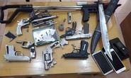 Triệt phá nhóm tội phạm ma túy nguy hiểm, thu lô vũ khí khủng