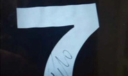 Ronaldo tặng áo đấu có chữ ký cho các bác sĩ Cuba chống Covid-19 ở Ý