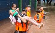 Trung Quốc: Nguy cơ lũ chồng lũ, vỡ đê bao diện rộng