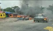 Quốc lộ Ấn Độ thành bãi chiến trường sau vụ cưỡng hiếp tập thể nữ sinh