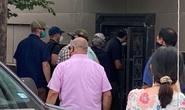 Nhóm người đeo khẩu trang phá khóa tổng lãnh sự quán Trung Quốc ở Houston