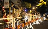 Cận cảnh phong tỏa chốt ra vào 3 bệnh viện lớn ở Đà Nẵng