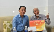 """""""Mai Vàng nhân ái"""" thăm hai nghệ sĩ Mai Thành và Phan Văn Sáng"""