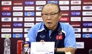 HLV Park Hang-seo thẳng thắn trả lời câu hỏi về việc giảm lương do Covid-19