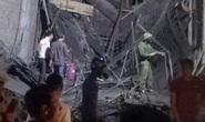 Sập mái nhà đang thi công, 2 người chết, 2 người bị thương