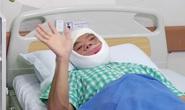Tỉnh dậy sau phẫu thuật, chàng trai mặt quỷ khóc nấc vì hạnh phúc