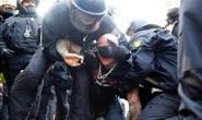Giỡn mặt với Covid-19, 300 người bị bắt ở Đức, Anh