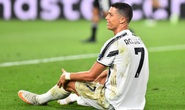"""Ronaldo thừa nhận thất bại, xin """"hứa"""" trở lại mùa sau"""
