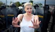 Ukraine cảnh báo Nga, Belarus sau vụ xé hộ chiếu ở biên giới