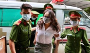 Hình ảnh ông Nguyễn Thành Tài và bà chủ Công ty Hoa Tháng Năm ở phiên tòa sáng 17-9