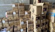 Đột kích kho hàng chứa 10 tấn nguyên liệu trà sữa không rõ nguồn gốc