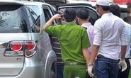 Đôi nam nữ tử vong bất thường trong ôtô đang nổ máy